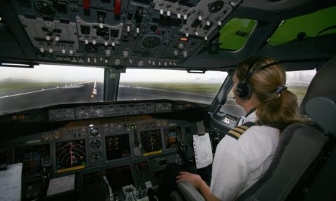 Why airlines need more female pilots to take to the skies